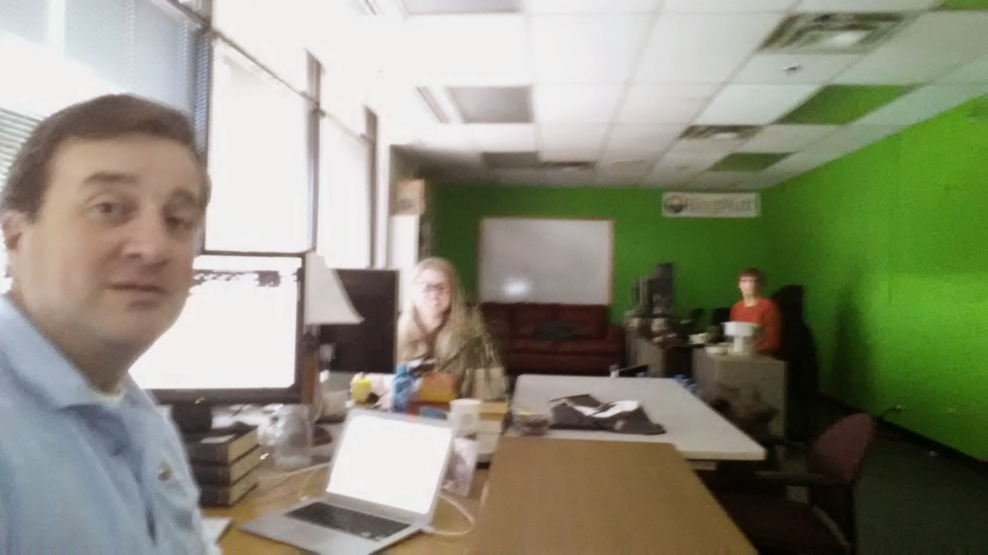 blurry-selfie-scott-yates-blogmutt-founder-in-blogmutts-office