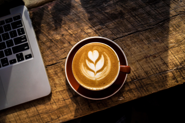 Latte-foam-art-shape-of-heart