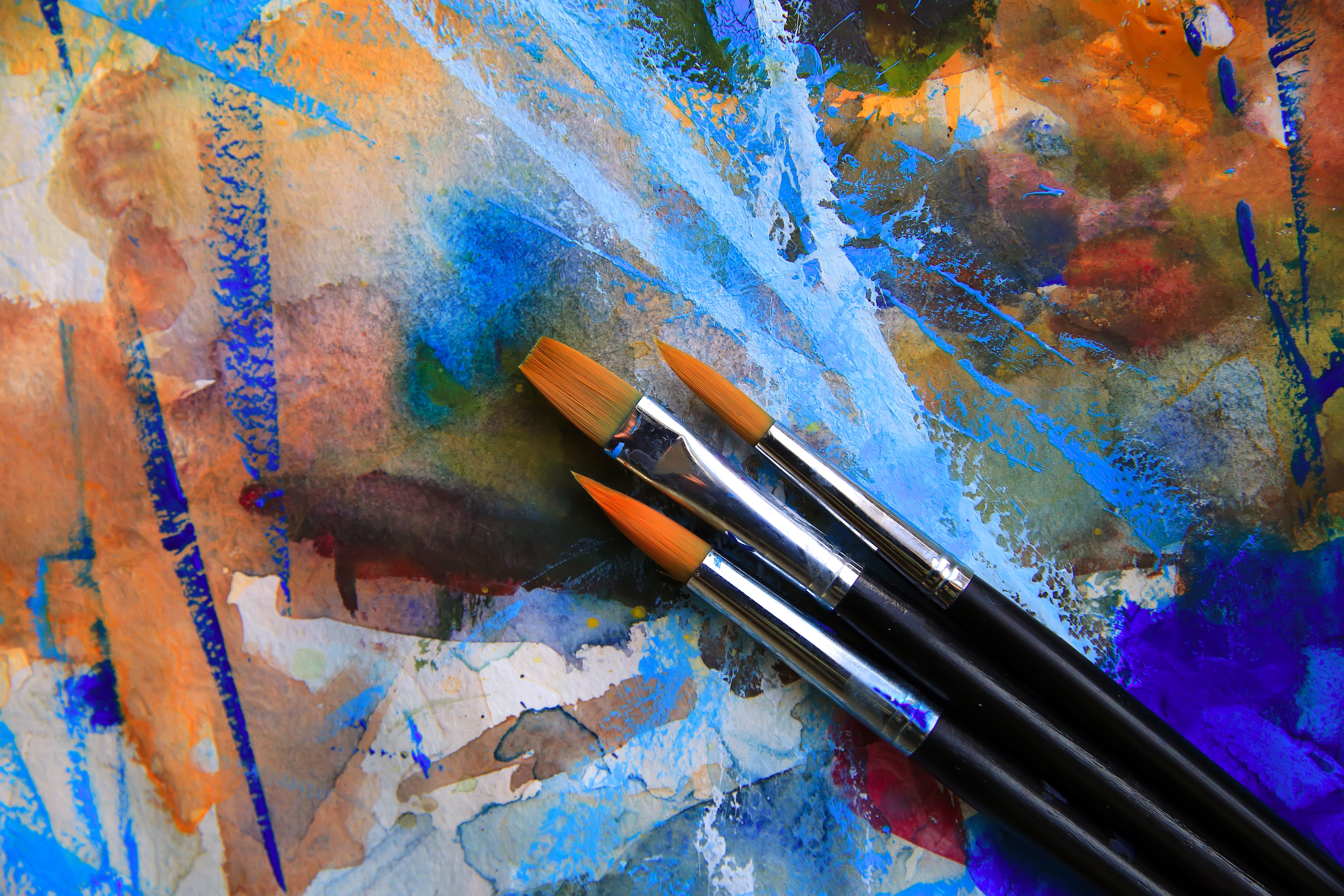 brushes-on-a-pallete