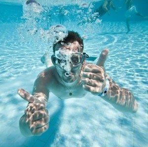 underwater-pool-fun