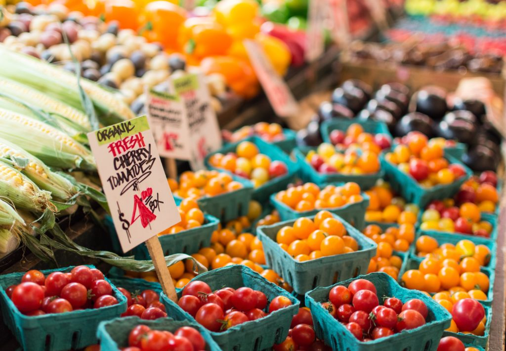 tomatoes and superfoods at farmers market